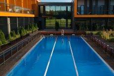 Jak zamienić letni weekend w niezapomniane wakacje? Jak, pozostając na Mazowszu, delektować się rodzinnym relaksem nad basenem, jak mieć naturę na wyciągnięcie ręki? Odpowiedź jest prosta – udać się do hotelu BoniFaCio Spa & Sport Resort