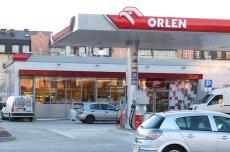 Szef Orlenu obiecuje obniżki na stacjach.