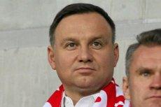 Prezydent Andrzej Duda odwiedził polskich piłkarzy w szatni po meczu z Litwą.