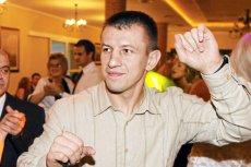 Tomasz Adamek radzi młodzieży, by z uzależnieniami walczyć egzorcyzmami.