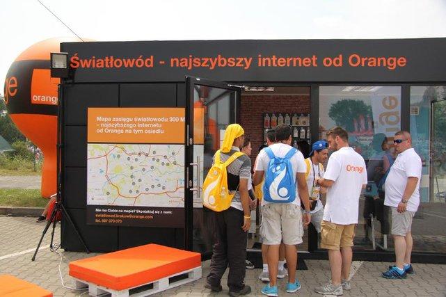 Wzrost zainteresowania mobilnymi usługami abonamentowymi i odpływ klientów korzystających z kart na telefon – takie trendy obserwuje Orange, jeden z największych operatorów telekomunikacyjnych w Polsce