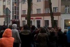 Zamieszki po śmierci 21-latka w Ełku.
