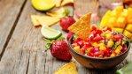 salsa z truskawek i mango