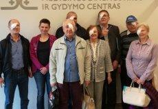 Grupa pacjentów po operacji zaćmy na Litwie.