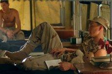 Problemy z bezsennością może mieć nawet żołnierz, który spędził naprawdę trudny dzień na froncie