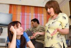 Kobietom łatwiej jest wyprowadzić sięz domu rodziców.