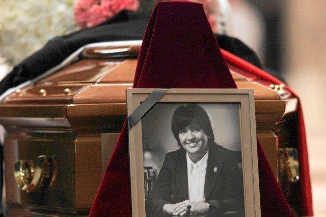 Zdjęcie z pogrzebu Joanny Agackiej-Indeckiej w 2010 r.