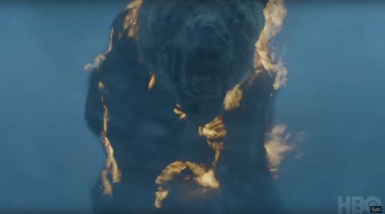 Zombie-miś na ekranie wygląda przerażająco.