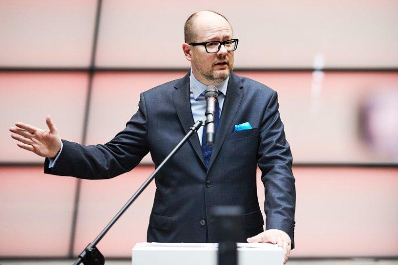 W niedzielę Paweł Adamowicz niespodziewanie oznajmił, że jednak zamierza ubiegać się o kolejną kadencję na fotelu prezydenta Gdańska. Okupuje to stanowisko nieprzerwanie od prawie 20 lat.
