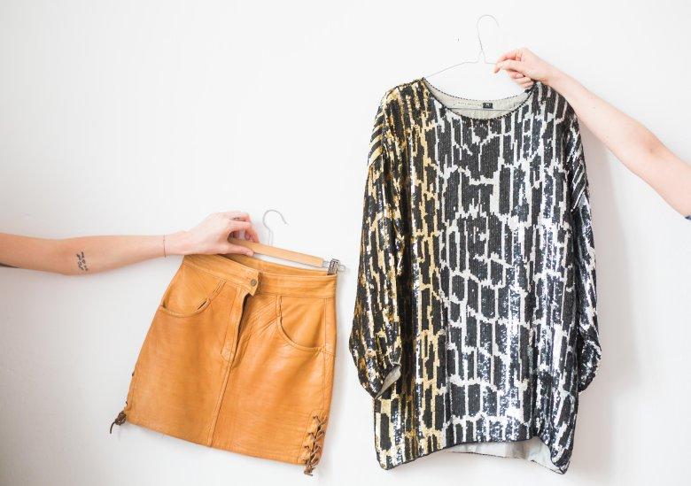 Skórzana spódnica Marzeny zestawiona z moją cekinową tuniką GUY LAROCHE.