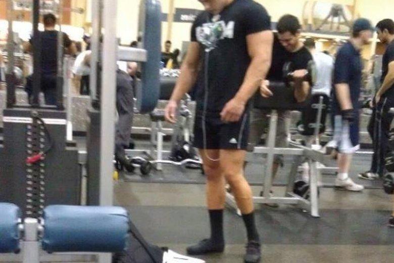 """12 dowodów na to, że na siłowni nie wolno pomijać """"dnia nóg'"""
