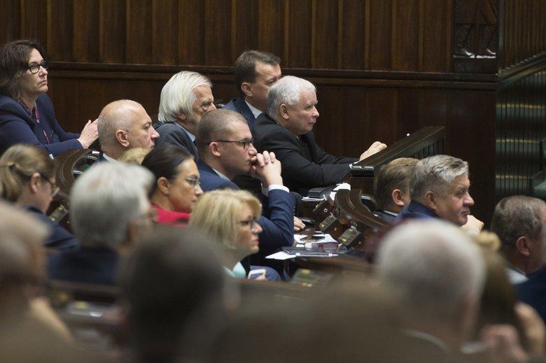 Wygrane wybory samorządowe przez PiS mają być wstępem do walki o Parlament RP.