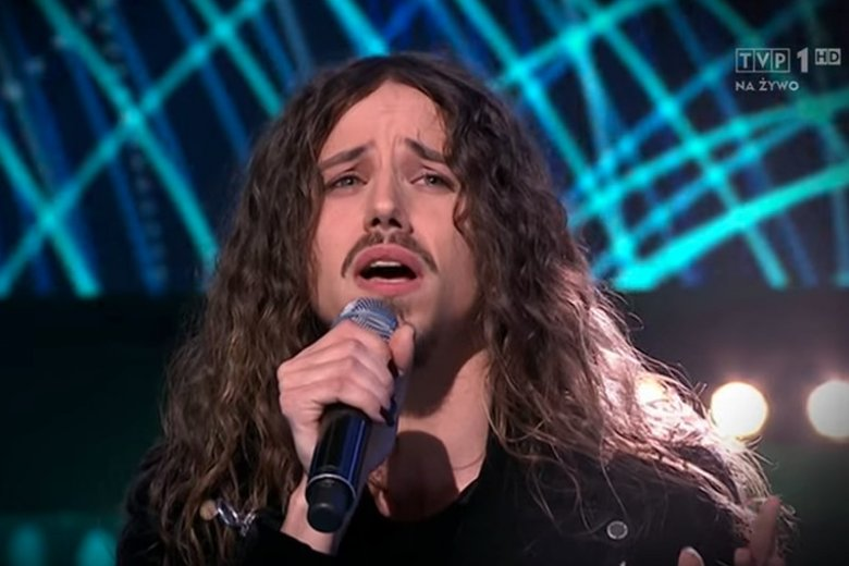 Ten... jak on się nazywa... jedzie na Eurowizję. Widzowie odkryli, że Michał Szpak jednak potrafi śpiewać