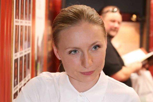 Brygida Grysiak, dziennikarka TVN24 przekonuje, że nie powinno się likwidować okien życia.