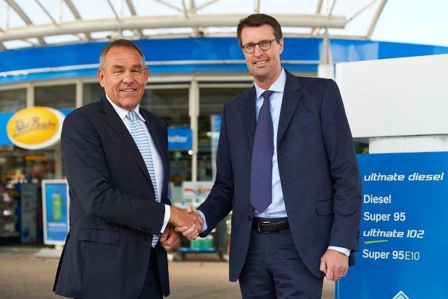 Patrick Wendeler (po prawej) zgodnie z niemieckim wzorcem zarządzania zaczynał od najniższego stanowiska w korporacji. Pracował na stacji benzynowej.