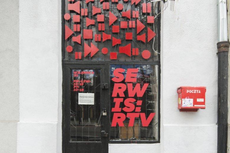 Pomysłowy szyld serwisu RTV