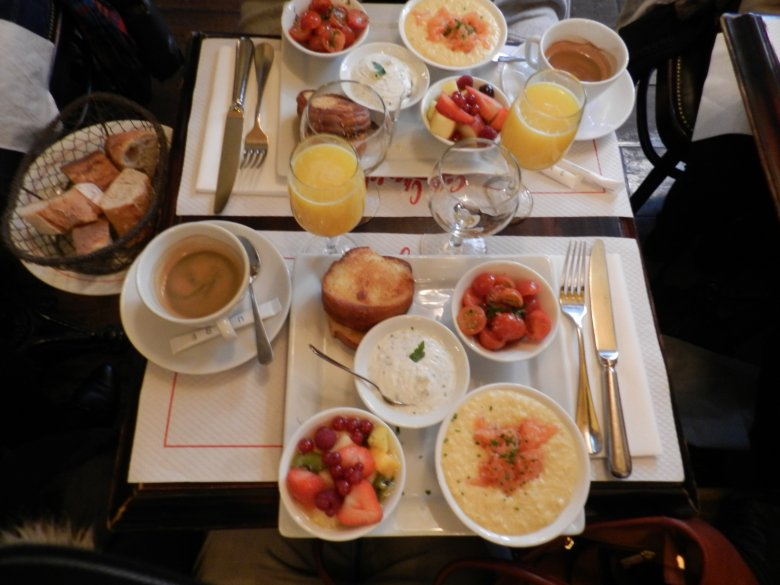 Niedzielny brunch w Cafe Charlot