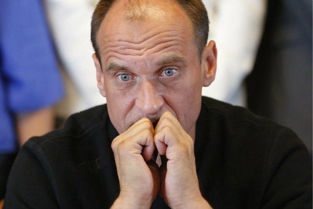 """Paweł Kukiz zamierza spotkać z Adrianem Zandbergiem w sądzie. Czuje się urażony tym, że polityk Partii Razem, który stanął w obronie koleżanki, nazwał go """"podpitym chamusiem spod monopolowego""""."""
