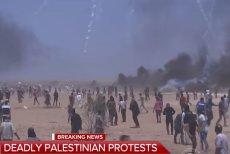 Screen z telewizji CBS This Morning – protesty Palestyńczyków na granicy Izraela ze Strefą Gazy.