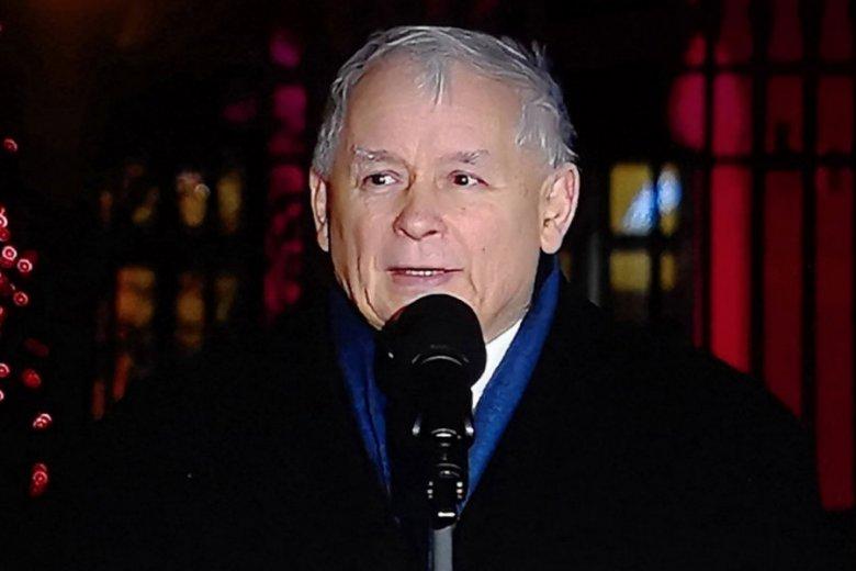 Jarosław Kaczyński podczas 93. miesięcznicy smoleńskiej. Zostały jeszcze tylko 3.