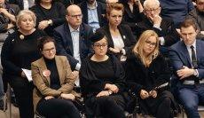 """"""" Wieczór dla Przyjaciela """" w ECS w Gdańsku Rodzina , bliscy i przyjaciele wspominają tragicznie zmarłego Pawła Adamowicza, prezydenta Gdańska."""