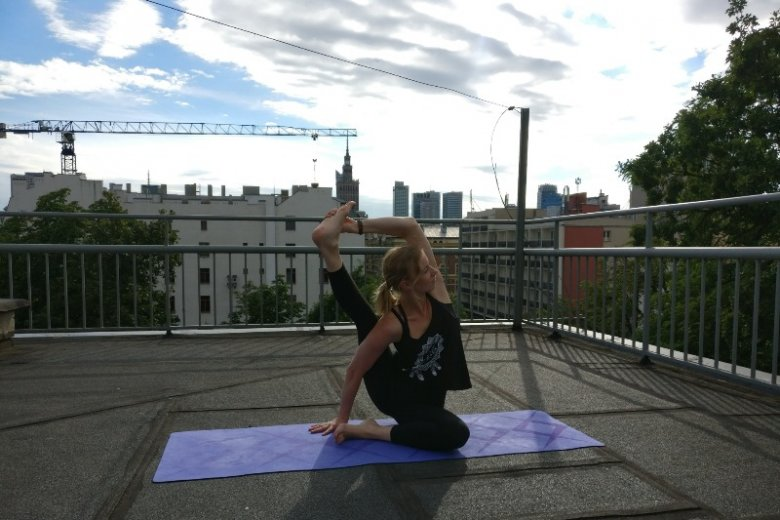Na jogę przychodzą głównie kobiety, choć zajęcia sąotwarte również na mężczyzn