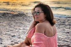 Aktorka założyła na plażę kalosze.