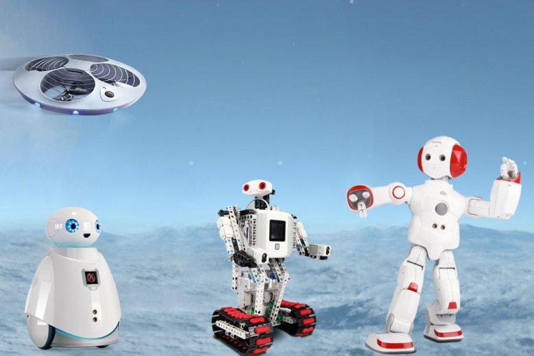Od lewej: latający robot Sinus, pomagający w życiu codziennym Oculus, edukacyjny Krypton oraz roztańczony Everest