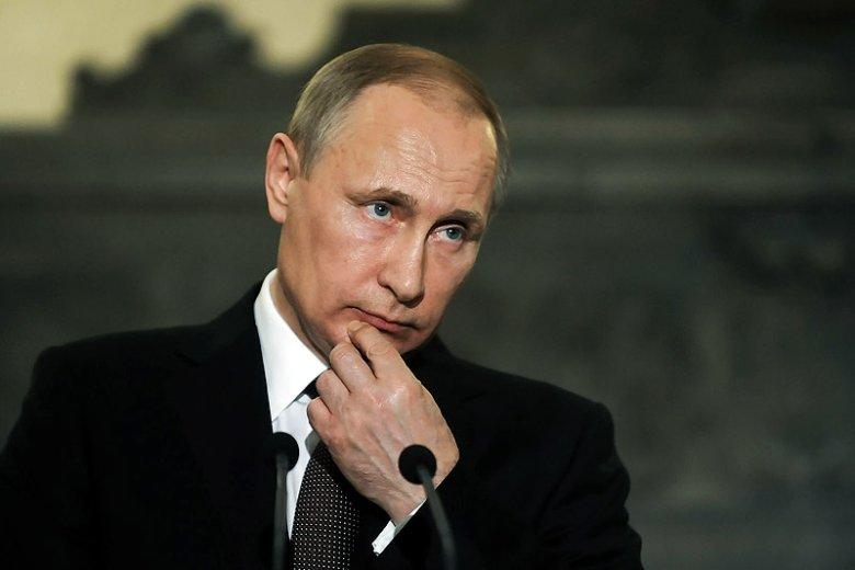 """Czy w PiS naprawdę są tak rusofobiczni, jak się mówi? A może nie zdają sobie sprawy, jak korzystne dla Kremla są skutki """"dobrej zmiany""""?"""