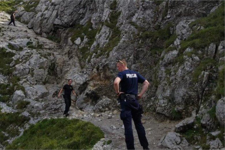Policja szuka cały czas jednej osoby zaginionej w Tatrach.