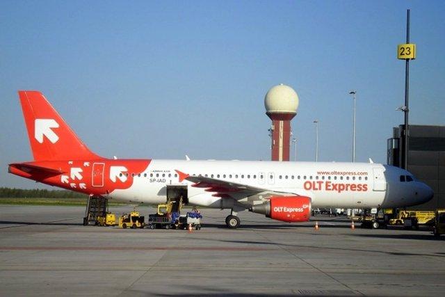 Samolot OLT Express na lotnisku w Gdańsku