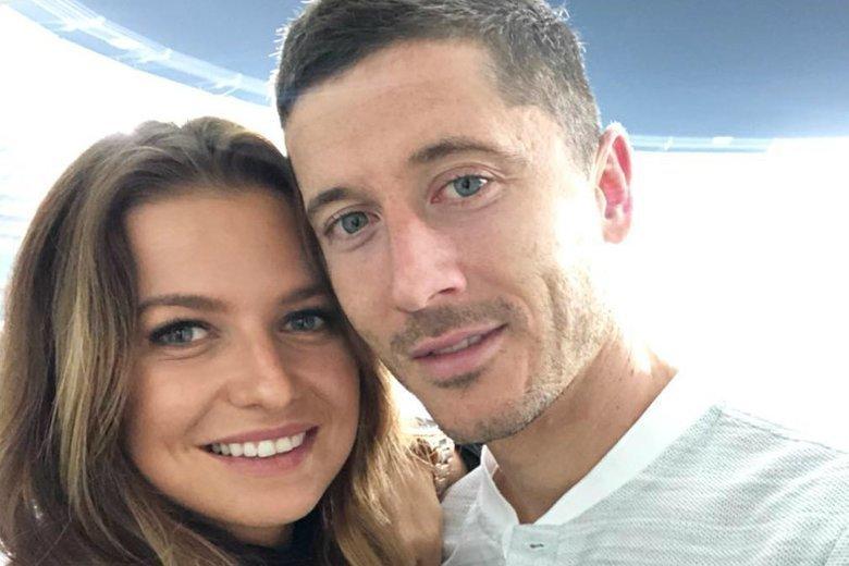 Anna Lewandowska na Instagramie opublikowała zdjęcie, na którym widać, jak mała Klara wita tatę po dłuższej nieobecności.