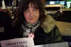 """Monika Twarogal jest działaczką społeczną z Gorzowa Wielkopolskiego. Do Warszawy przyjeżdża na protesty, m.in. przeciwko """"propagandzie w TVP""""."""