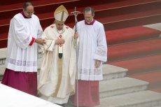 Papież wydał encyklikę, w której nawołuje do ograniczenia emisji CO2.