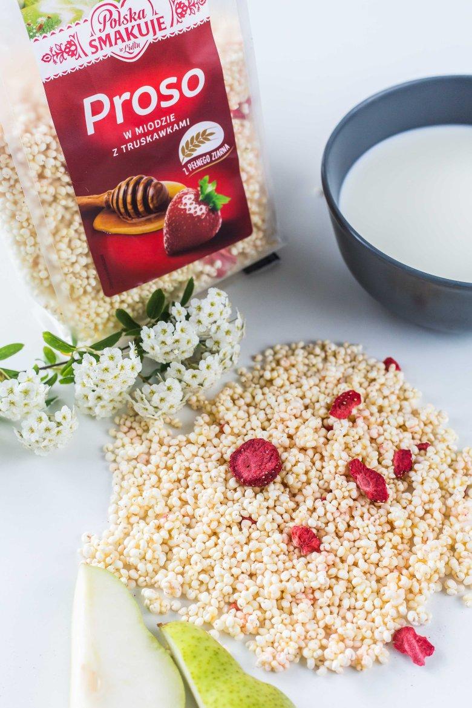 W Lidlu znajdziemy szeroką gamę prażonych zbóż w miodzie z dodatkiem suszonych owoców. Najlepiej smakują z mlekiem albo jogurtem naturalnym.