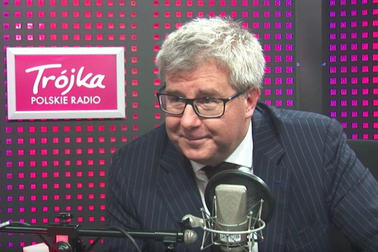 """Jednym zdaniem Ryszard Czarnecki obraził tysiące ludzi. W """"Salonie Politycznym Trójki"""" usiłował wmówić, że ci, co protestują, """"nie wiedzą, co czynią""""."""