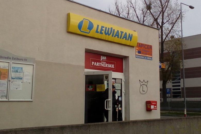 W sklepie Lewiatana na warszawskim Żoliborzu nie ma mowy o takich promocjach jak na stoisku Lewiatana na kongresie pod Rzeszowem.