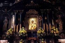 Obraz Matki Boskiej Częstochowskiej w kaplicy na Jasnej Górze.