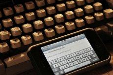 Dowiedz się jak rewolucja technologiczna wpływa na życie codzienne, społeczeństwo i biznes