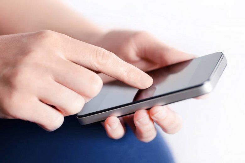 Nie potrafimy oderwać rąk od smartfona