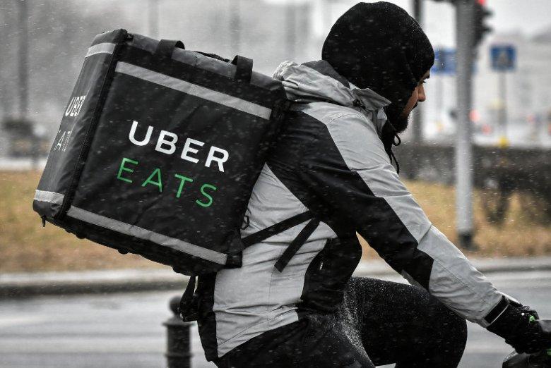 Kurierzy Uber Eats wiedzą jak ułatwić sobie pracę.
