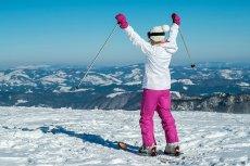 Ubezpieczenie narciarskie to standardowa polisa turystyczna rozszerzona o ochronę sportów wysokiego ryzyka, takich jak jazda na nartach czy snowboardzie