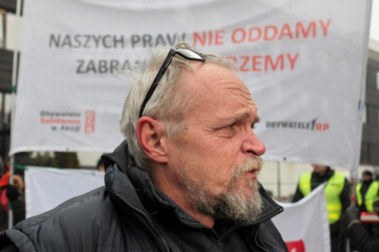 Lider organizacji Obywatele RP Paweł Kasprzak w rozmowie z naTemat ostro komentuje słowa szefa policji.