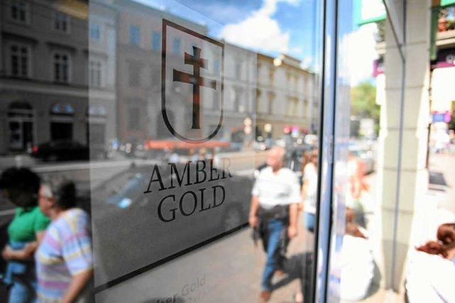 88-latek wraz z żonąutopił m.in. w Amber Gold setki tysięcy złotych. Teraz chce pomocy państwa w odzyskaniu pieniędzy