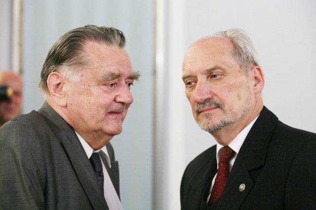 Jan Olszewski dotąd był jedną z najważniejszych ikon środowiska PiS. Od dziś może się to jednak zmienić, bo był premier stanowczo poparł weta prezydenta Andrzeja Dudy wobec nowych ustaw o SN i KRS.