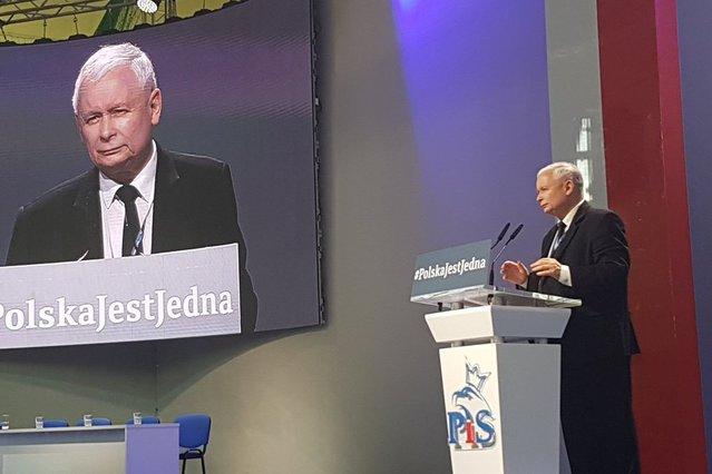 Jarosław Kaczyński na kongresie w Przysusze.
