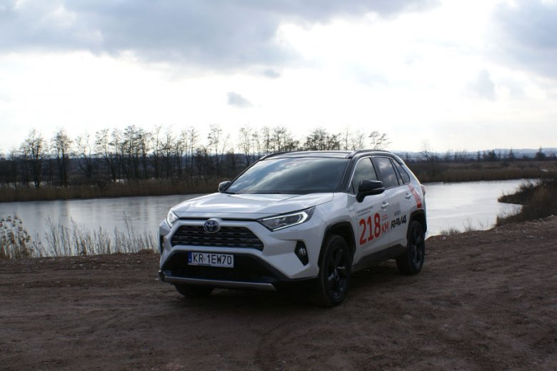 Toyota RAV4 2.5 Hybrid FWD 218 KM e-CVT Selection