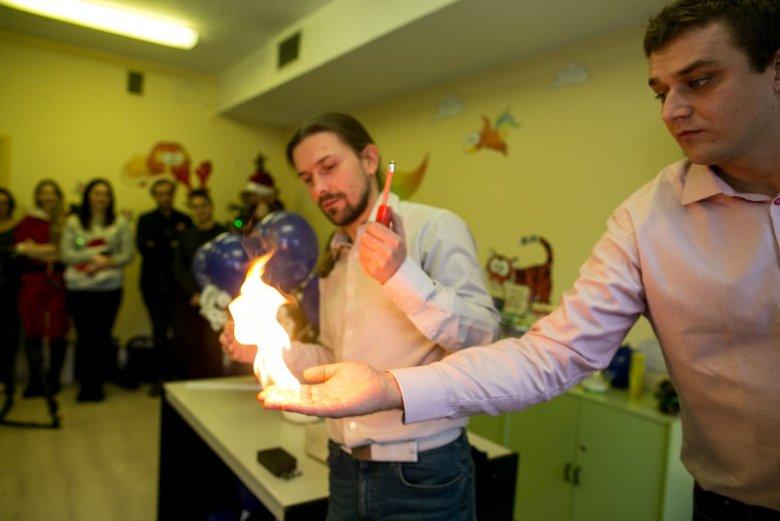 Naukowcy z Politechniki Częstochowskiej przeprowadzają eksperymenty na oczach pacjentów Wojewódzkiego Szpitala Specjalistycznego w Częstochowie.