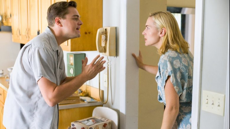 """Leonardo di Caprio i Kate Winslet w filmie """"Droga do szczęścia"""" (2009)"""