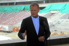 Donald Tusk jeszcze na budowie Stadionu Narodowego w 2011 roku